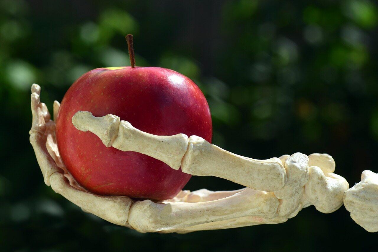 Ile średnio waży szkielet mężczyzny?
