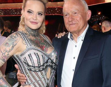 Leszek Miller zatańczył walca z wnuczką, Moniką. Zobaczcie jego występ