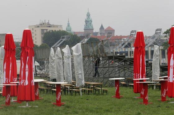 Krakowskie błonia, budowa strefy kibica (fot. PAP/Jacek Bednarczyk)