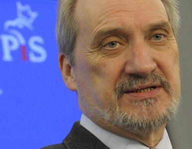 Witek: Nie chowamy Macierewicza. Pracuje w Sejmie