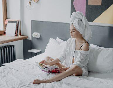 Czy można chodzić spać z mokrymi włosami? Odpowiedź może zaskoczyć