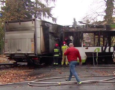 Wrocław. Tramwaj zderzył się z ciężarówką, oba pojazdy spłonęły