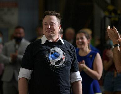 Samolot Elona Muska lądował w Warszawie. Miliarder przyleciał po kopię...