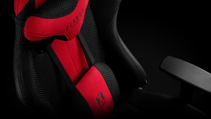 Fotele Diablo Chairs zyskały zagłówki ipoduszki lędźwiowe