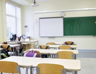 Część uczniów będzie musiała nosić w szkołach przyłbice. Ma je zapewnić...