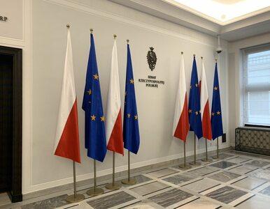 Flagi UE wróciły przed gabinet marszałka Senatu. Karczewski: Bawi mnie...
