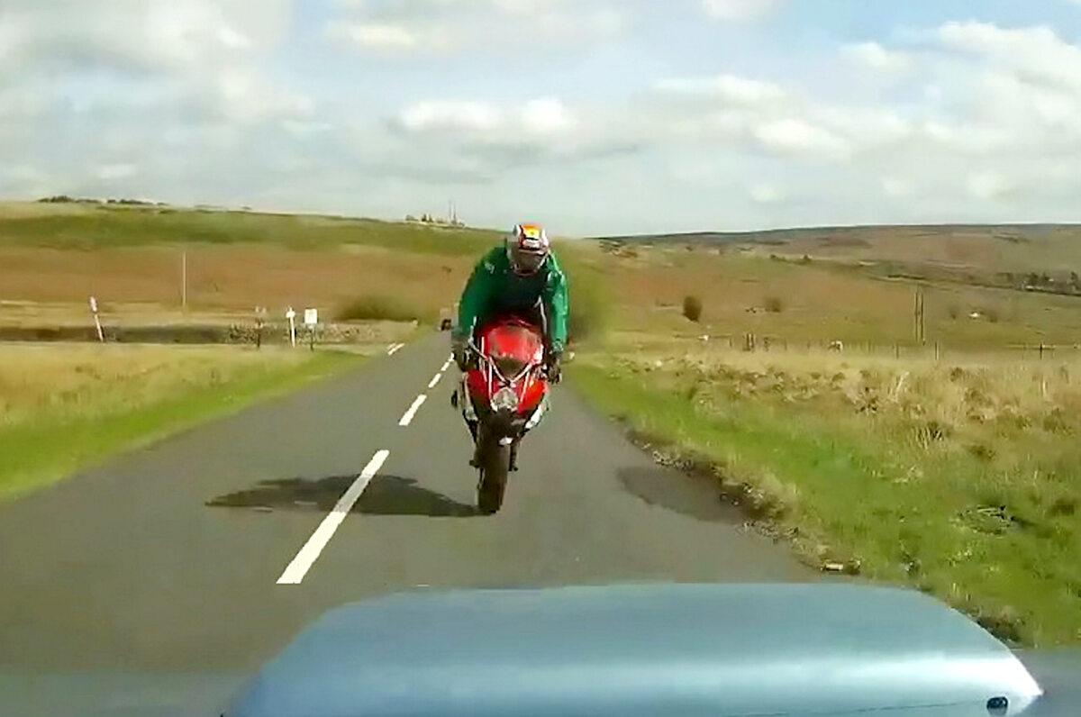 Motocyklista tuż przed wypadkiem