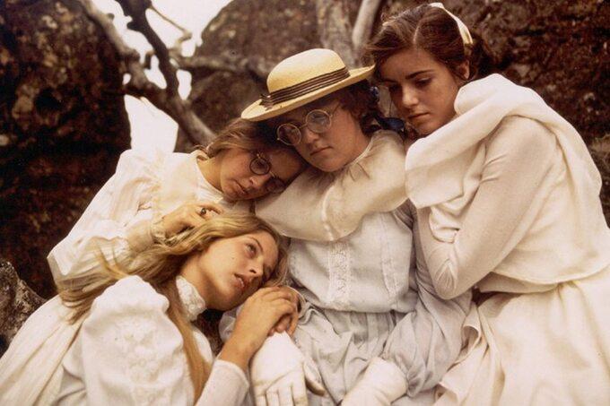 """Kadr zfilmu """"Piknik podWiszącą Skałą"""" / """"Picnic at Hanging Rock"""" (1975)"""