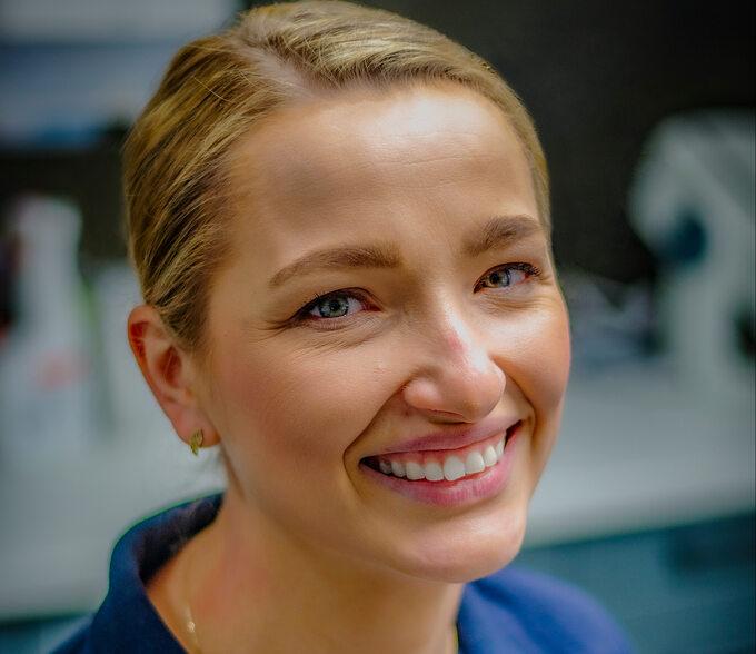 Dr Izabela Sierpińska, lekarz stomatolog