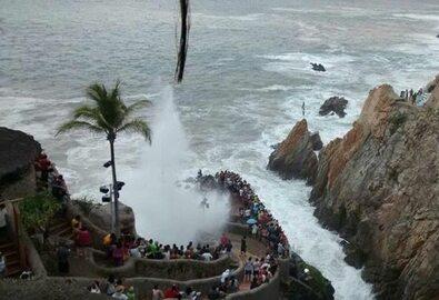 Martwa fala uderza w pacyficzne wybrzeże Meksyku