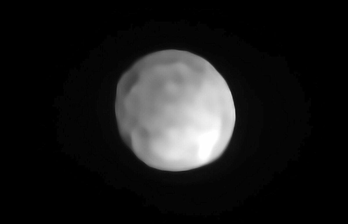 Zdjęcie planetoidy Hygiea wykonane z powierzchni Ziemi przy pomocy instrumentu SPHERE na teleskopie VLT.