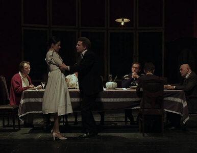Głośne inscenizacje teatralne można oglądać w sieci