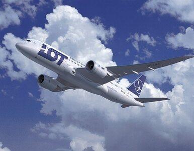 Nowy dreamliner zamiast latać, będzie stać w hangarze