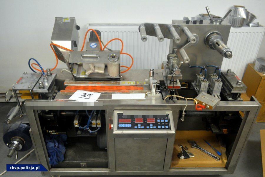Zabezpieczono maszyny i surowce służące do produkcji sterydów