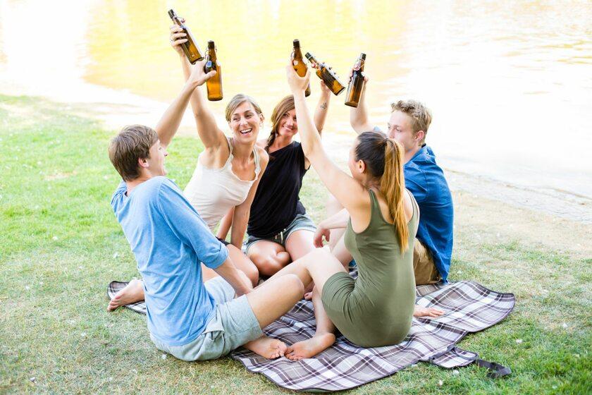 Spożywanie alkoholu na świeżym powietrzu