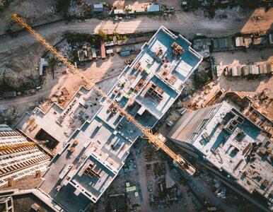 Spór o sposób wprowadzania energooszczędności budynków. Musi być...