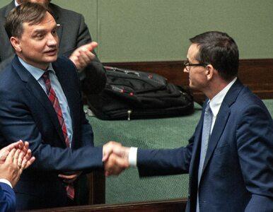 """""""Ziobro i Morawiecki skoczyli sobie do gardeł"""". Ziobryści mieli zyskać..."""