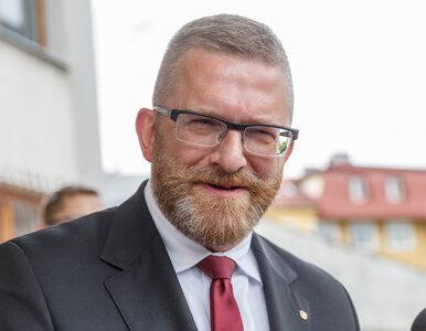"""Grzegorz Braun ucisza dziennikarzy w Sejmie. """"Proszę nie buczeć, nie..."""