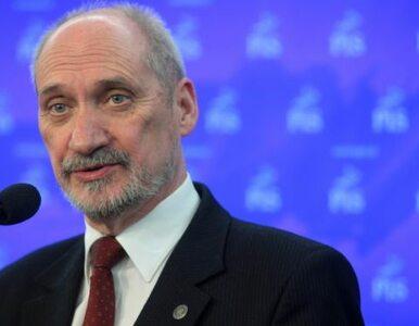 Macierewicz: pan Tusk wraz z Rosją niszczy dowody tego, co stało się pod...
