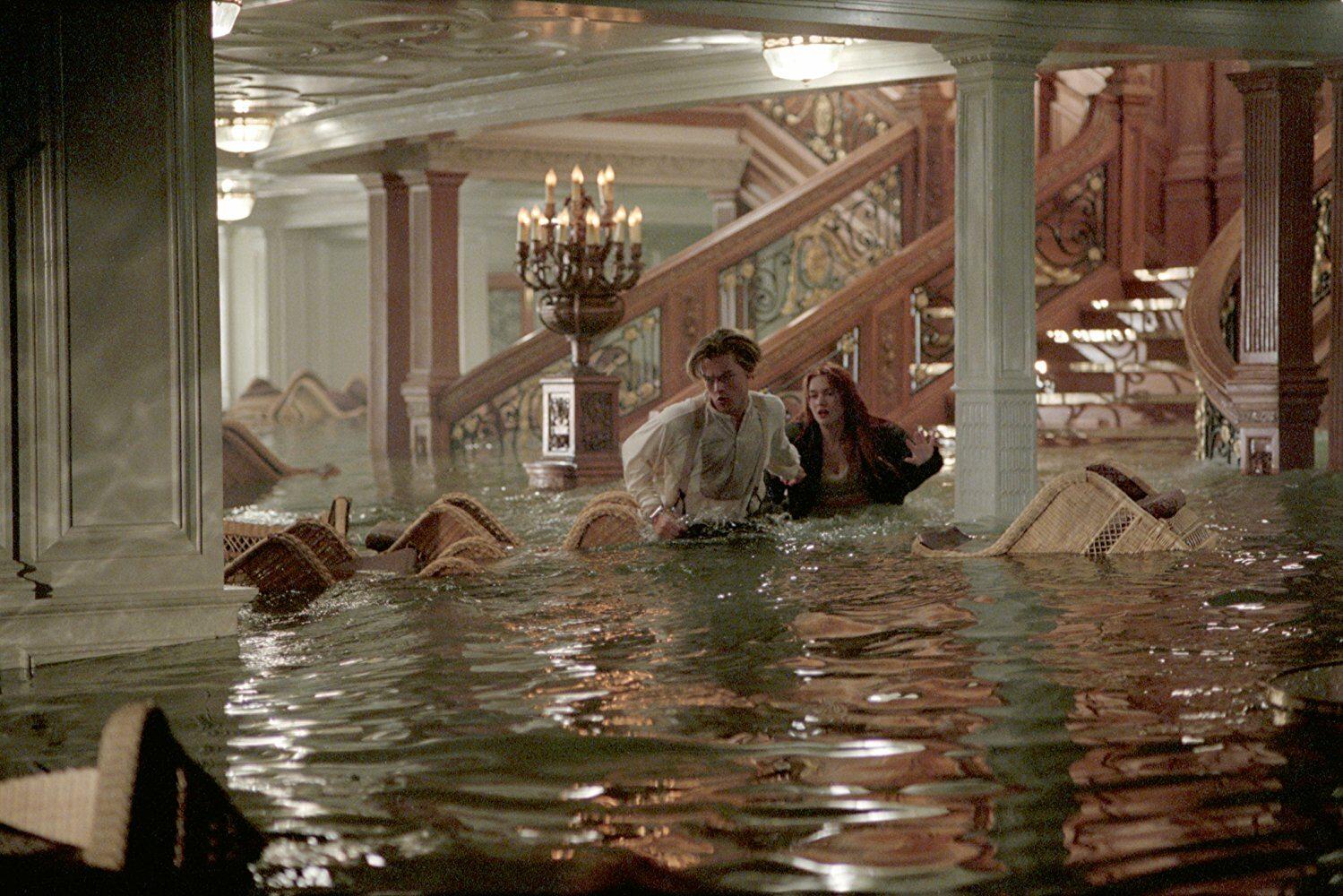 """W którym roku powstał film """"Titanic"""" w reżyserii Jamesa Camerona?"""