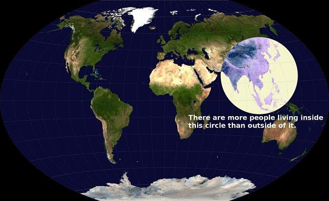 Mapa mówi sama za siebie. Więcej ludzi żyje w środku białego kółka, niż poza nim.