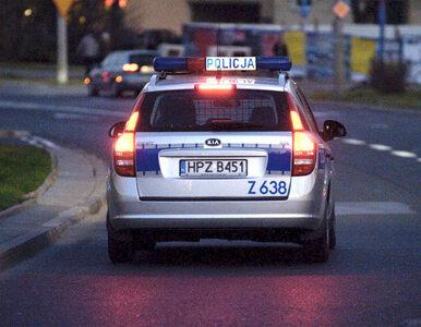 Radiowóz zderzył się z osobówką. Jeden policjant nie żyje, drugi walczy...
