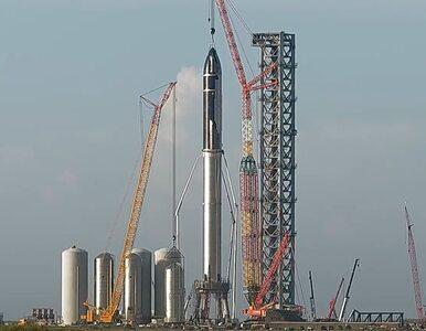 SpaceX pokazał nową największą rakietę świata. Ma 120 metrów i zabierze...