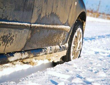 Śnieg zasypał Wrocław. Na A4 ograniczenie prędkości
