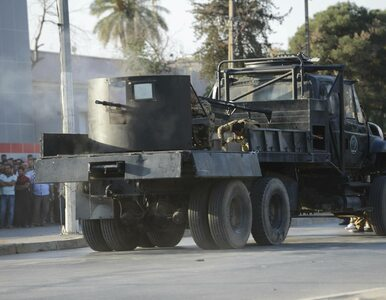 Oblężenie Mosulu. Dżihadyści podpalili zakłady chemiczne. Prawie tysiąc...