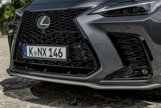 Nowy Lexus NX 450h+