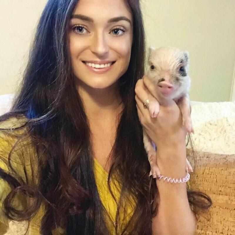 Adri Rachelle i jej świnka