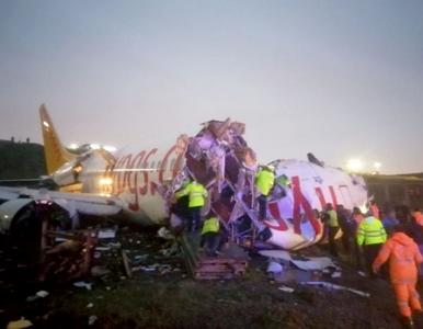 Samolot nie wyhamował po lądowaniu i rozpadł się na trzy części....