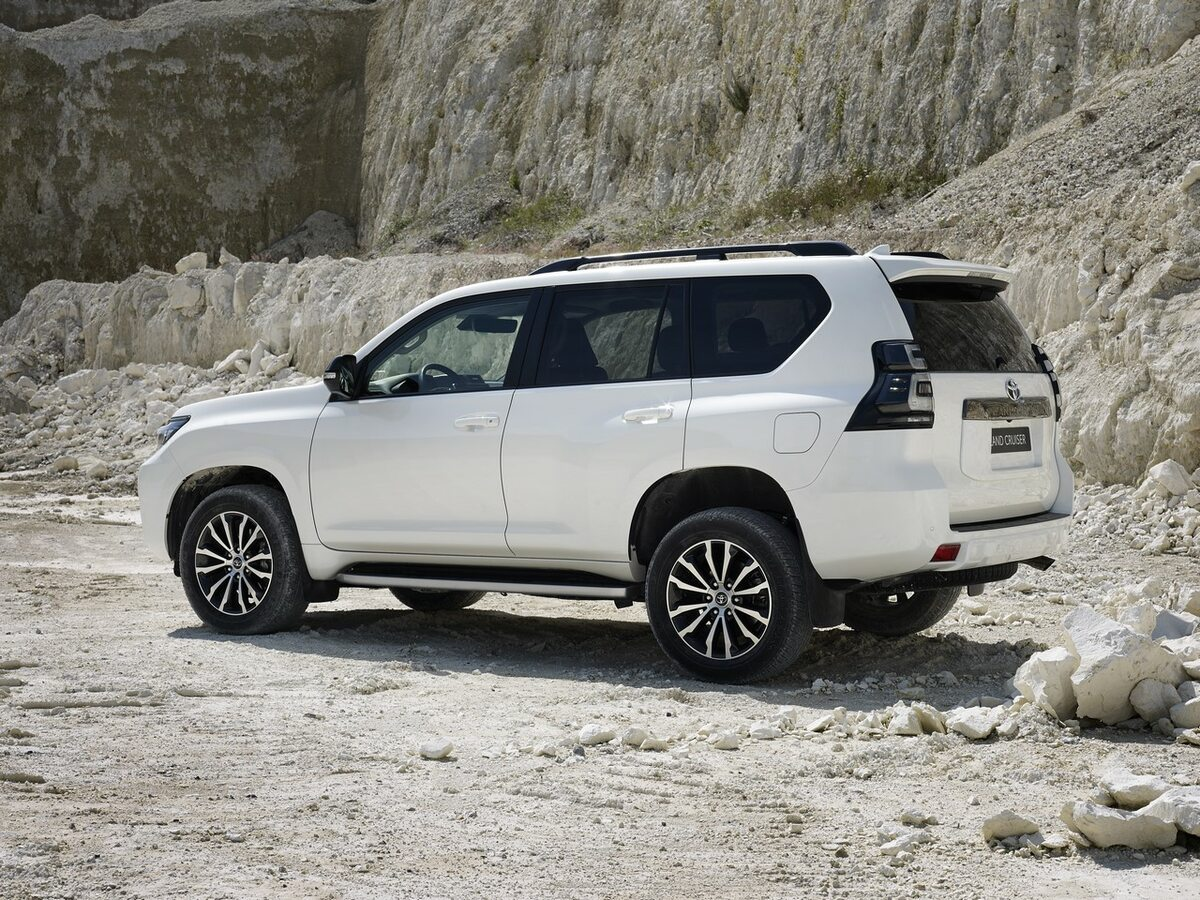 Nowa Toyota Land Cruiser
