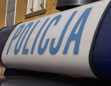 Atak na policjantów. Trzy osoby ranne