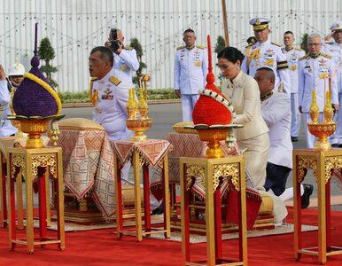 Po pół wieku doczekał się tronu. Widowiskowa ceremonia koronacji w...
