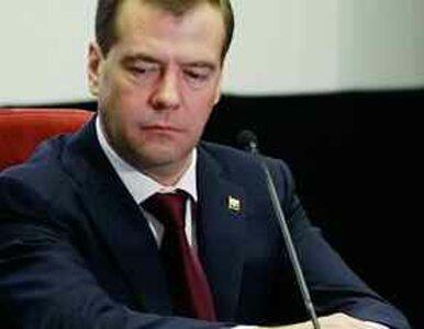 """Miedwiediew martwi się o Libię. """"Bomby koalicji mogą zabijać cywilów"""""""