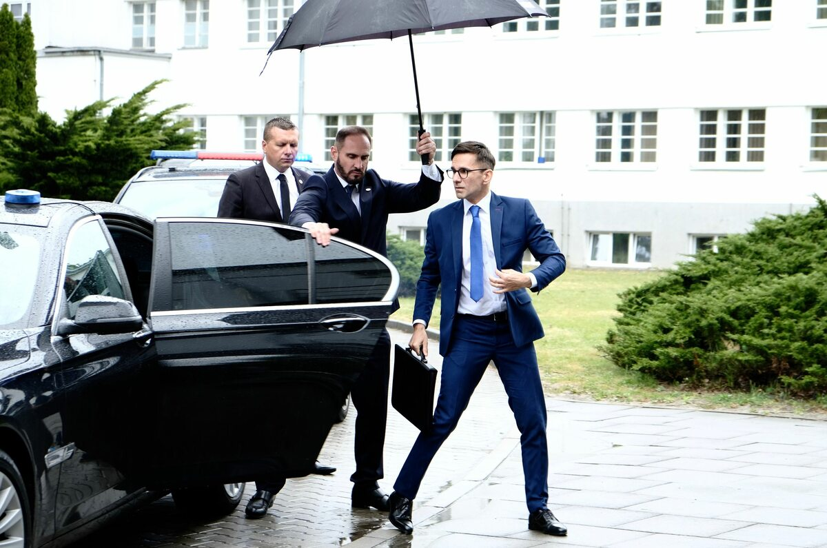 Marcin Bosak jako Premier