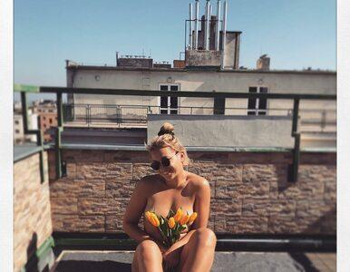 Jej nagie ciało zasłaniały tylko tulipany. Tenisistka w odważny sposób...