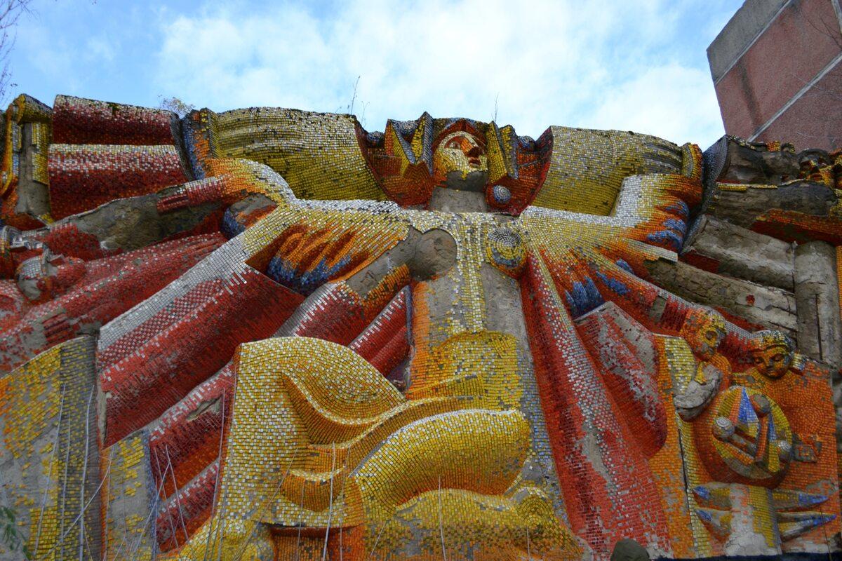 Mozaika na jednym z budynków, Prypeć