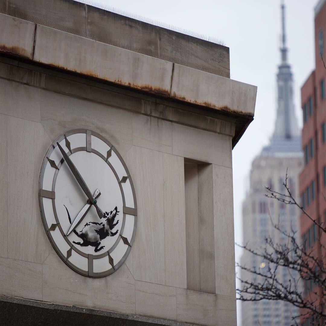 Słynny szczur na zegarze Banksy'ego