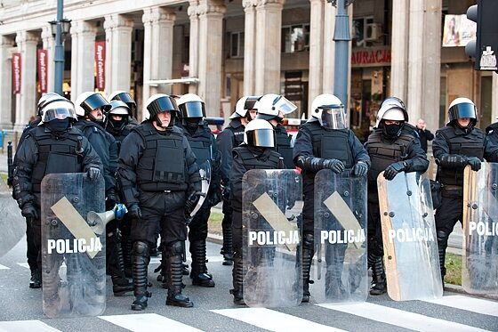 Policja była od początku zwarta i gotowa (fot. Jakub Czermiński)