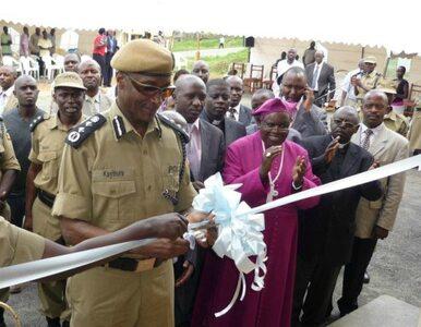 Uganda ma problem z policjantami - za dużo... jedzą