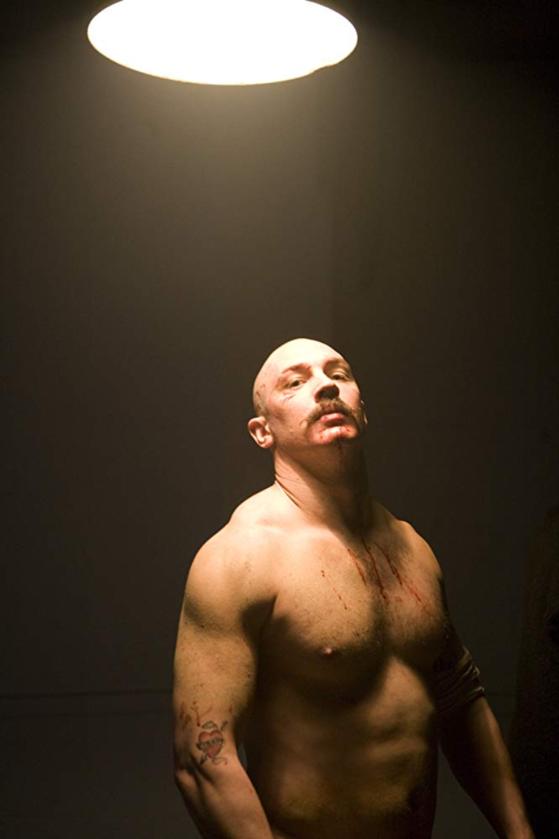 """Tom Hardy w filmie """"Bronson"""" (2008)"""
