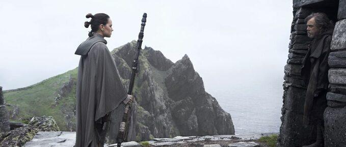 """kadr zfilmu """"Gwiezdne Wojny: Ostatni Jedi"""" (2017)"""