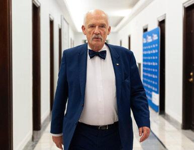 """""""Żyjemy w d***kracji"""". Janusz Korwin-Mikke opublikował ostry wpis"""