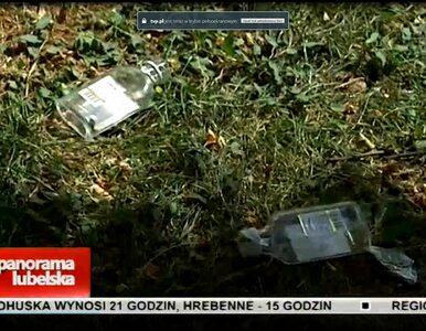 Na potrzeby fake newsa pracownik TVP wyciągał śmieci z kosza. Przyłapany...