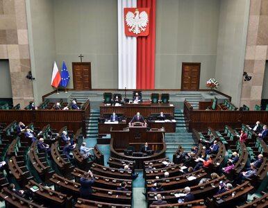 PiS traci, dobry wynik Polska 2050. Najnowszy sondaż