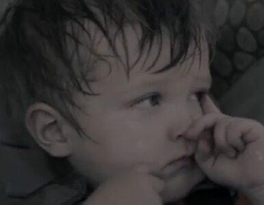 Szokujący film - dziecko umiera w samochodzie