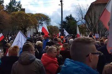 3 maja, protest przed domem prezydenta Wałbrzycha