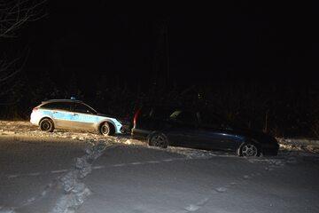 40-latek potrącił dwóch chłopców w Sławnie, policja ruszyła w pościg
